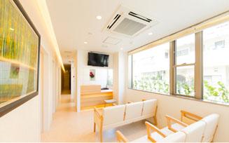 旭接骨院の待合室
